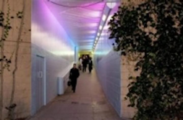 Content Dam Leds En Ugc 2008 01 Philips Led Lighting Transforms South Bank S Underpass Network Leftcolumn Article Thumbnailimage File