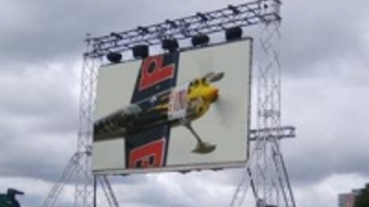 Content Dam Leds En Ugc 2008 09 Mitsubishi Electric Flying High At Red Bull Air Race Leftcolumn Article Thumbnailimage File