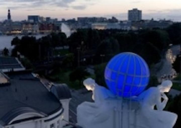 Content Dam Leds En Ugc 2008 10 Osram Leds Light Up The Globe On The Hotel Atlantic Leftcolumn Article Thumbnailimage File