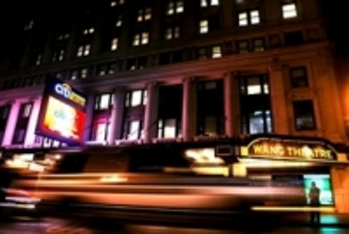 Content Dam Leds En Ugc 2008 11 Led Marquees Light Up Boston S Theatre District Leftcolumn Article Thumbnailimage File