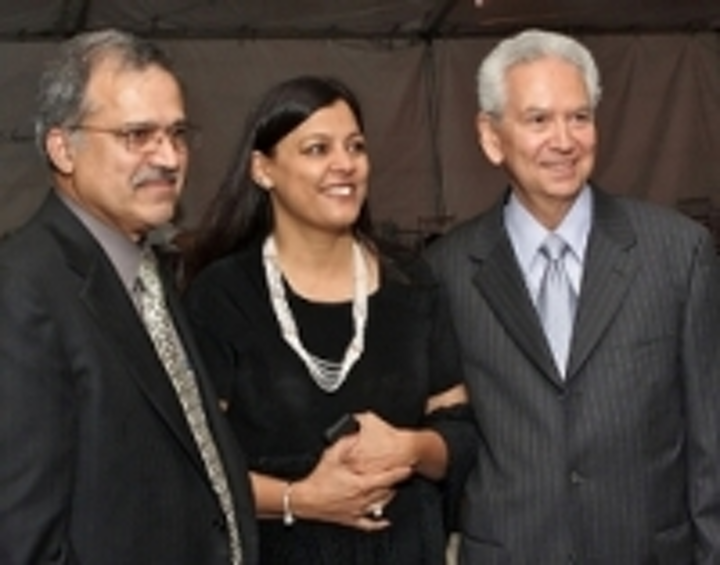 Content Dam Leds En Ugc 2008 11 Ledtronics Marks 25th Anniversary Of Company S Founding Leftcolumn Article Thumbnailimage File