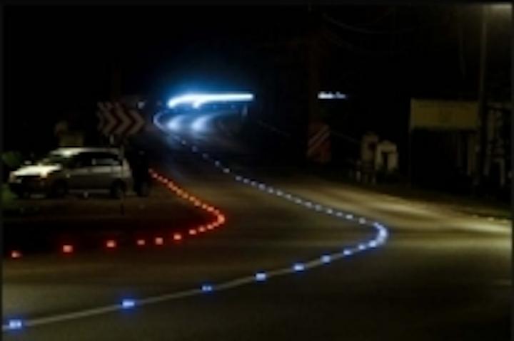 Content Dam Leds En Ugc 2009 01 Luna Road S Eco Friendly Light Systems Illuminate Roadways Leftcolumn Article Thumbnailimage File