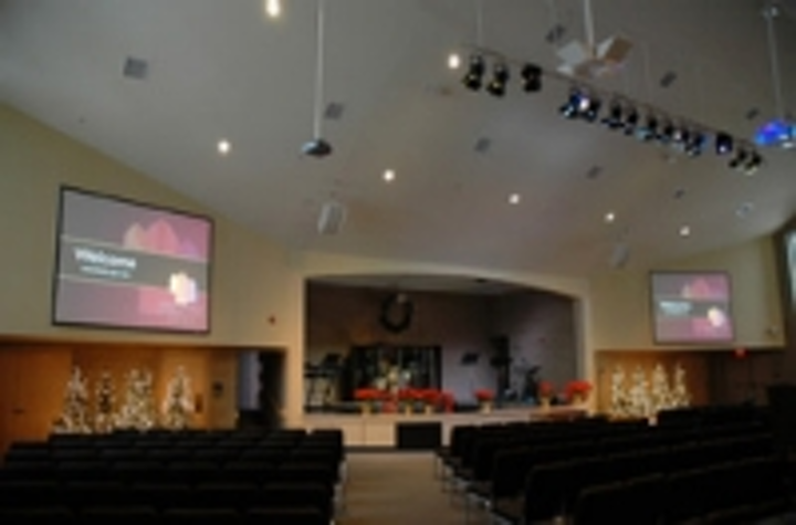 Content Dam Leds En Ugc 2009 03 Faith Church In Michigan Is Brightened By Elation Led Fixtures Leftcolumn Article Thumbnailimage File