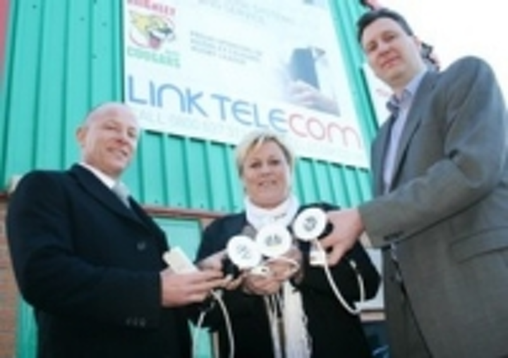 Content Dam Leds En Ugc 2009 03 Htl Teams Up With Cougars Rugby League Club On Uk Flagship Research Project Leftcolumn Article Thumbnailimage File