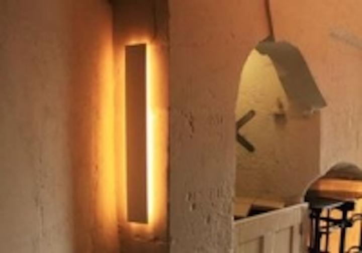 Content Dam Leds En Ugc 2009 06 Light Bureau Completes Relighting Of Christopher Wren S Monument In London Leftcolumn Article Thumbnailimage File
