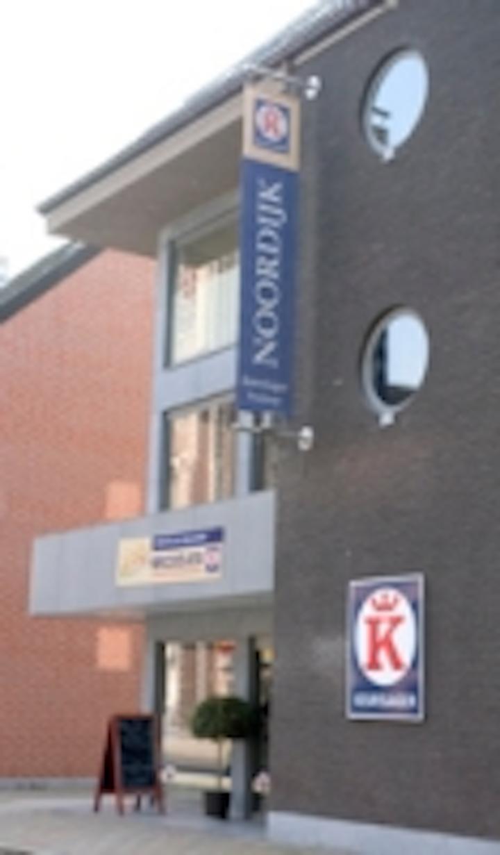 Content Dam Leds En Ugc 2010 03 Belgian Butcher Noordijk Changes Fluor Tl With Pas Ngl Led Tl Leftcolumn Article Thumbnailimage File