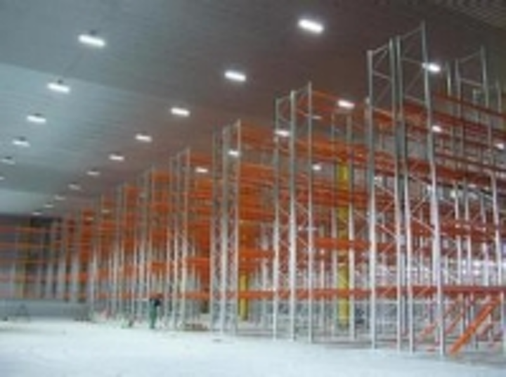 Content Dam Leds En Ugc 2010 08 Focus Equips Warehouse Complexes With Led Lighting Fixtures Leftcolumn Article Thumbnailimage File