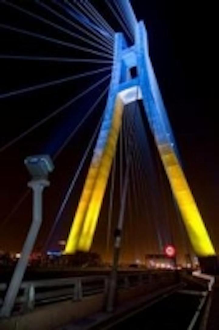 Content Dam Leds En Ugc 2010 09 Aop S Led Lighting Transforms Xinbei Bridge Into A New Landmark Leftcolumn Article Thumbnailimage File