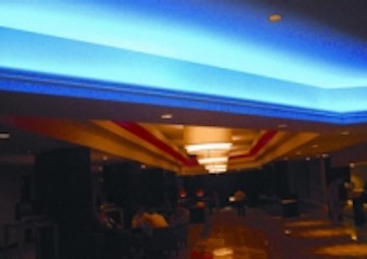 Content Dam Leds En Ugc 2010 09 Led Cove Lighting Transforms St Louis Hilton S Hotel Lobby Leftcolumn Article Thumbnailimage File