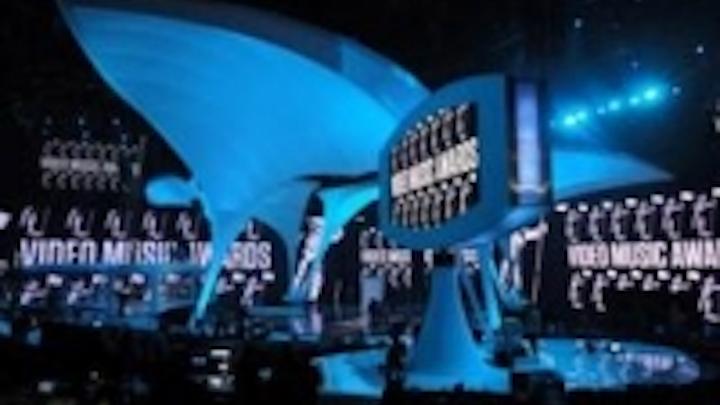 Content Dam Leds En Ugc 2010 09 Martin Mac 101 Debut Success On Mtv Video Music Awards Leftcolumn Article Thumbnailimage File