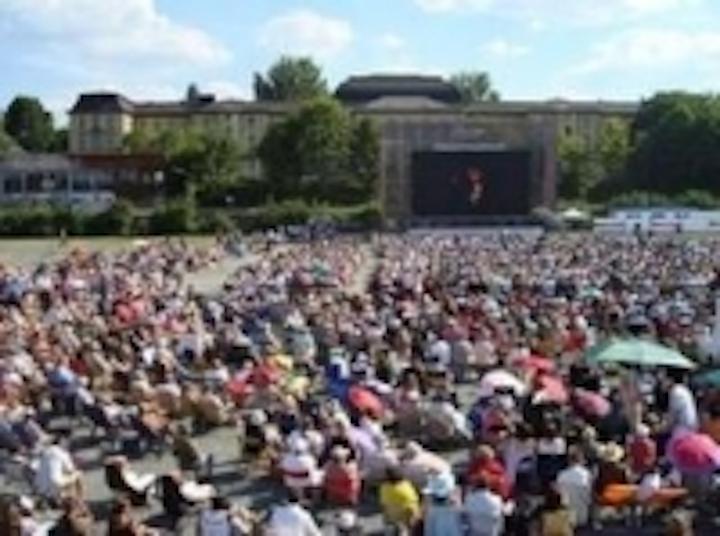 Content Dam Leds En Ugc 2010 10 Bayreuth Festival And Linzer Klangwolke Stars Video Walls By Medien Werkzeuge Leftcolumn Article Thumbnailimage File
