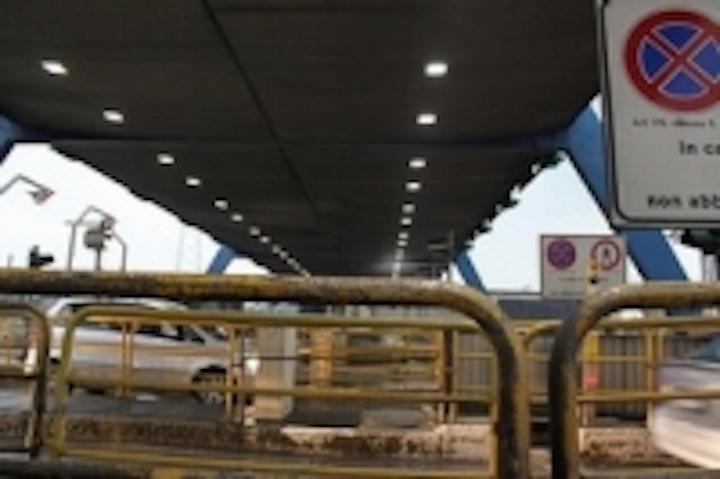 Content Dam Leds En Ugc 2010 11 Detas Spa Dleds Division Install Led Canopy Lights All Over Italian Highways Leftcolumn Article Thumbnailimage File