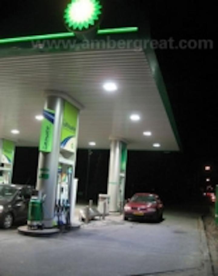 Content Dam Leds En Ugc 2010 12 Ambergreat Led Gas Station Light Helps Light Up Netherlands Bp Gas Station Project Leftcolumn Article Thumbnailimage File