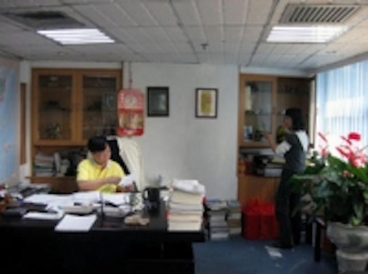 Content Dam Leds En Ugc 2011 01 Unibond Led Troffer Lights Up Office Bulding Leftcolumn Article Thumbnailimage File