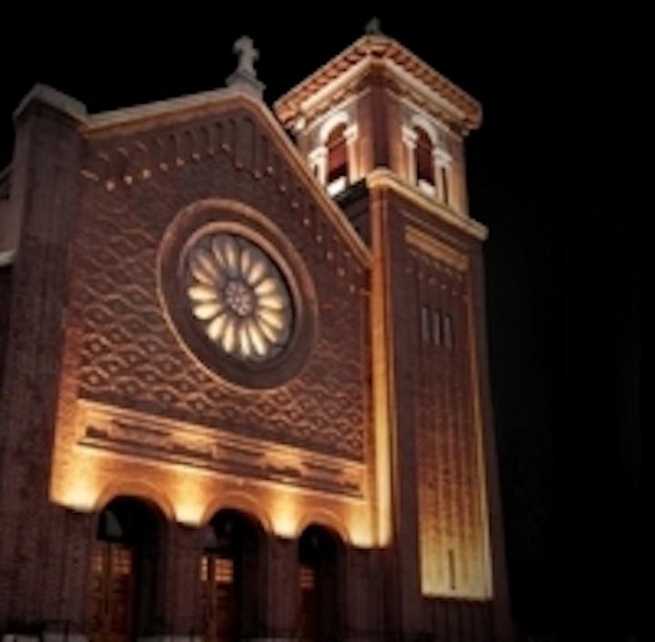 Content Dam Leds En Ugc 2011 03 Lumenpulse Fixtures Illuminate 100 Year Old Massachusetts Church Leftcolumn Article Thumbnailimage File