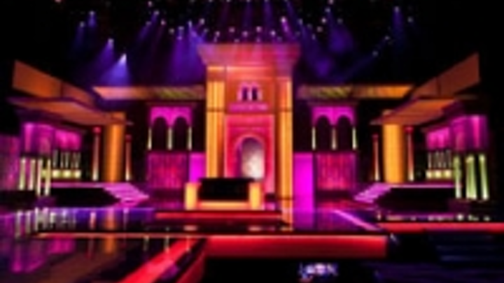 Content Dam Leds En Ugc 2011 03 Robe Ledwash 600s Light Up Prince Of Poets Festival Leftcolumn Article Thumbnailimage File