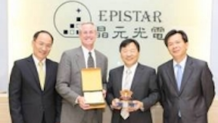 Content Dam Leds En Ugc 2011 05 Dow Electronic Materials Wins Epistar S First Ever Supplier Award For Supply Of Metalorganic Precurs Leftcolumn Article Thumbnailimage File