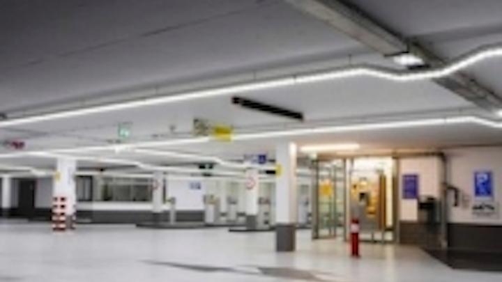 Content Dam Leds En Ugc 2011 06 Rentalite Installs Premium Power Led Line In Parking Garage Leftcolumn Article Thumbnailimage File