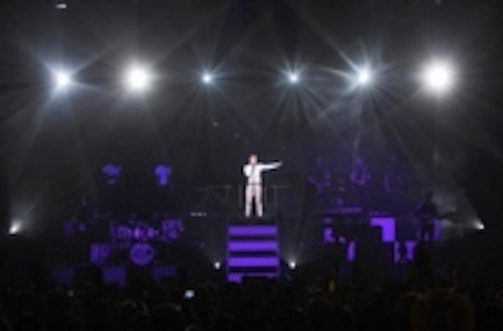 Content Dam Leds En Ugc 2011 07 Hsl Group Leds Light Olly Murs Concert Leftcolumn Article Thumbnailimage File