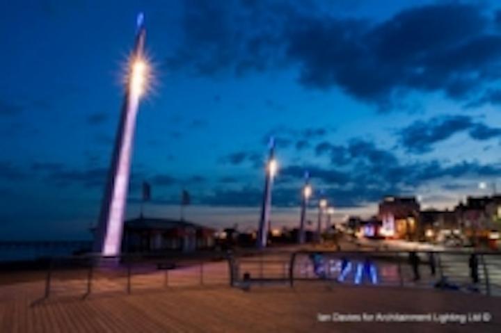 Content Dam Leds En Ugc 2011 07 Southend Unveils Light Masts Illuminating Town S Coastline Leftcolumn Article Thumbnailimage File