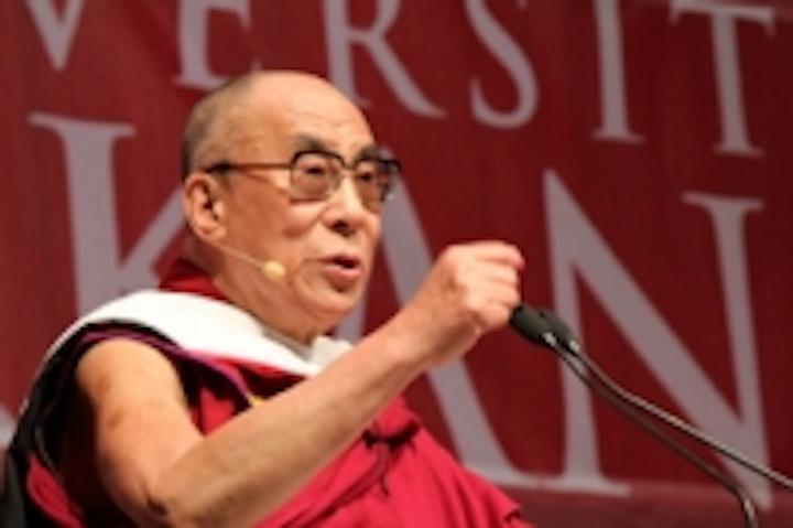 Content Dam Leds En Ugc 2011 08 Chauvet Lights The Dalai Lama Leftcolumn Article Thumbnailimage File