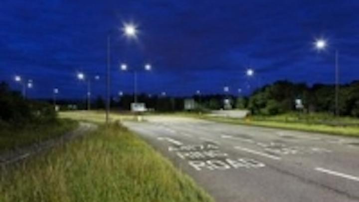 Content Dam Leds En Ugc 2011 08 Philips Led Fixtures Illuminate Roundabout On Busy A Road Near Bristol Leftcolumn Article Thumbnailimage File