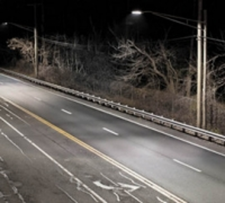 Content Dam Leds En Ugc 2011 10 Smithtown Ny First In Long Island To Switch To Betaled Ledway Street Lights Leftcolumn Article Thumbnailimage File