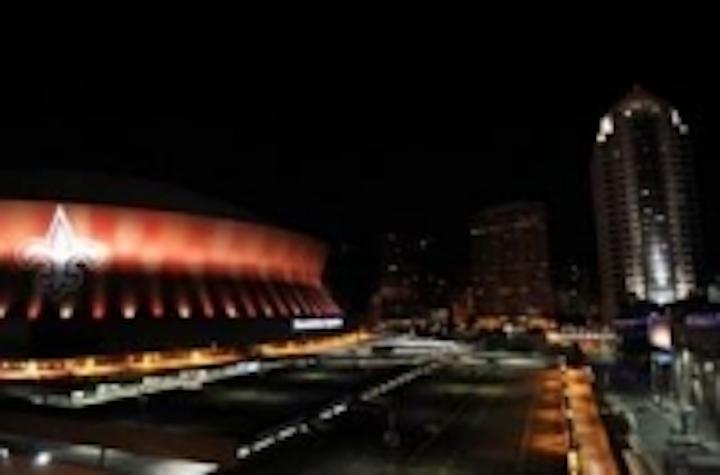 Content Dam Leds En Ugc 2011 10 Solomon Group Martin Professional Light Up The Superdome And New Orleans Skyline Leftcolumn Article Thumbnailimage File