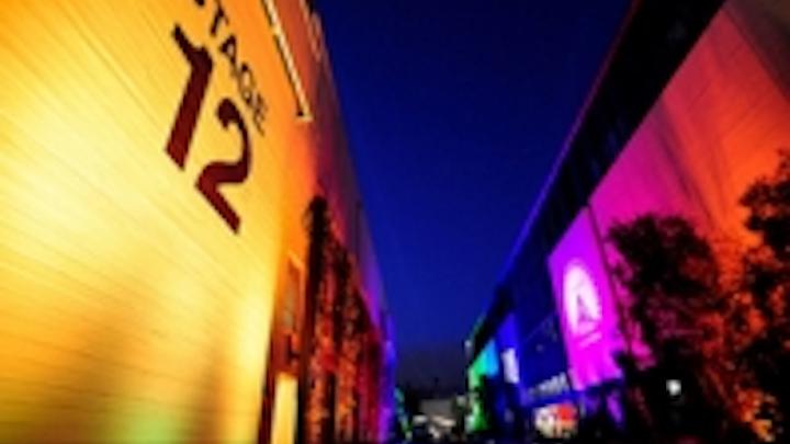 Content Dam Leds En Ugc 2012 05 Chauvet Washes Paramount Studio In Color Leftcolumn Article Thumbnailimage File