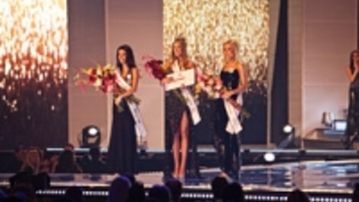 Content Dam Leds En Ugc 2012 06 Robe Takes Miss Universe Slovakia In New Direction Leftcolumn Article Thumbnailimage File