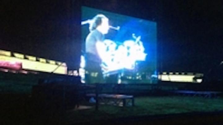 Content Dam Leds En Ugc 2012 06 Yanni Performs At El Morro Lit By Chauvet Leftcolumn Article Thumbnailimage File