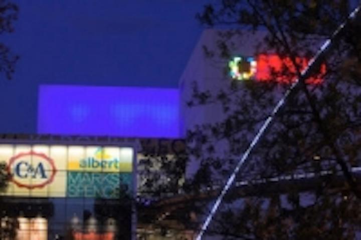 Content Dam Leds En Ugc 2012 07 Anolis Illuminates Nova Karolina Shopping Centre Leftcolumn Article Thumbnailimage File