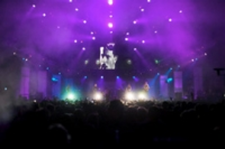 Content Dam Leds En Ugc 2012 07 Robe Goes Wild For The Maccabees Leftcolumn Article Thumbnailimage File