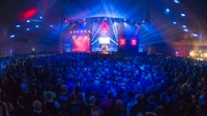 Content Dam Leds En Ugc 2012 08 Robe Rocks Out On Wacken Bullhead Circus Stage Leftcolumn Article Thumbnailimage File