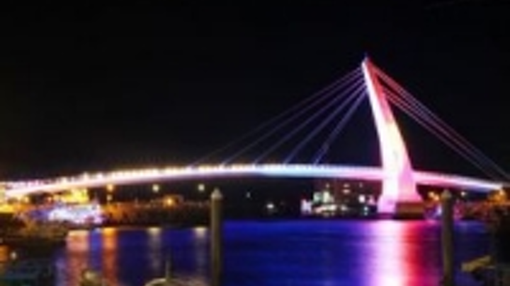 Content Dam Leds En Ugc 2012 09 Arc Ssl Complete The Lover Bridge In Tamsui Taiwan Leftcolumn Article Thumbnailimage File