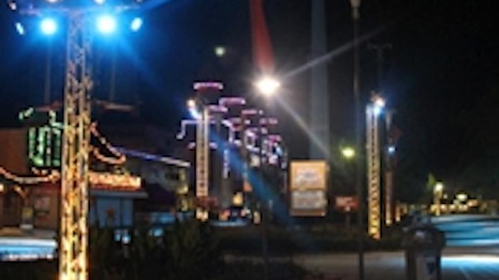 Content Dam Leds En Ugc 2012 09 Iluminarc Joyfully Colors Visitors At Cedar Point Leftcolumn Article Thumbnailimage File
