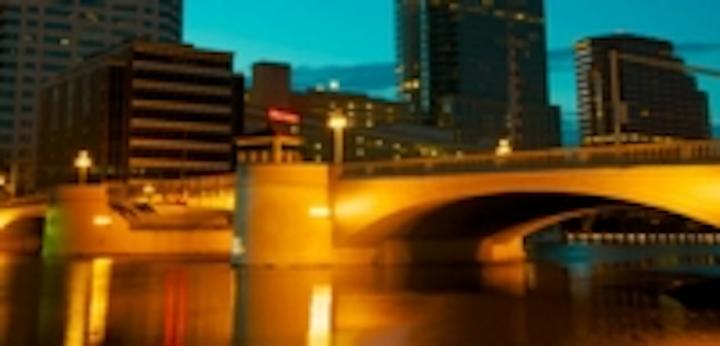 Content Dam Leds En Ugc 2012 09 Iluminarc Lights Landmark Bridges In Tampa Leftcolumn Article Thumbnailimage File