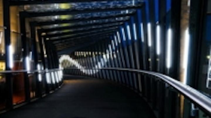 Content Dam Leds En Ugc 2012 09 Plexineon Lighting The Way To The Circus Leftcolumn Article Thumbnailimage File