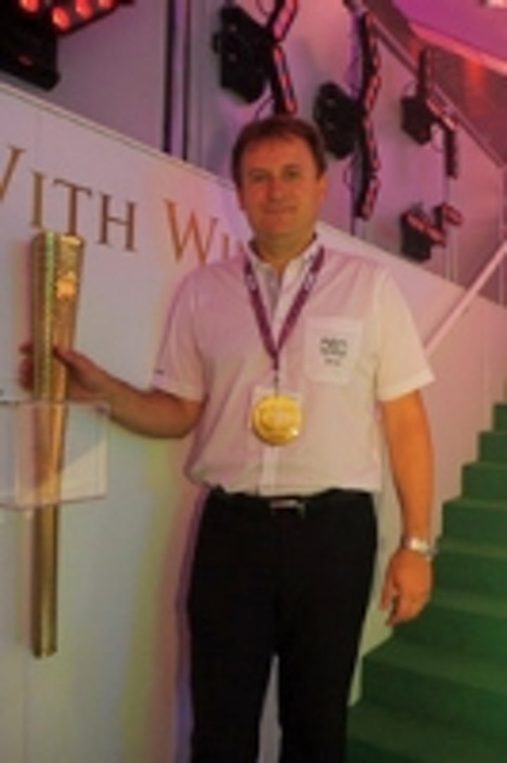 Content Dam Leds En Ugc 2012 09 Robe Olympic Torch Is A Winner For Light Relief At Plasa Leftcolumn Article Thumbnailimage File