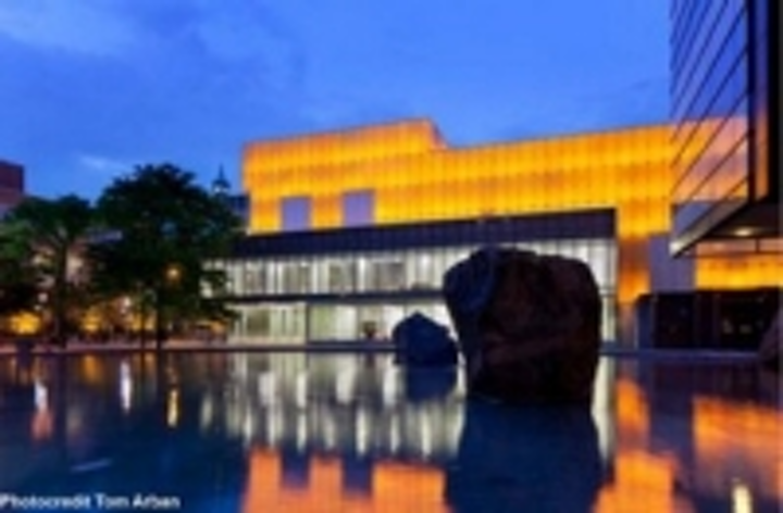 Content Dam Leds En Ugc 2012 09 Ryerson University Shines Under Gva Lighting S Rgb Facade Wins Light And Design Award Leftcolumn Article Thumbnailimage File