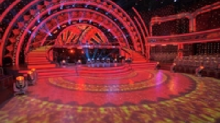 Content Dam Leds En Ugc 2012 11 Strictly Come Dancing Wrapped In Lights Leftcolumn Article Thumbnailimage File