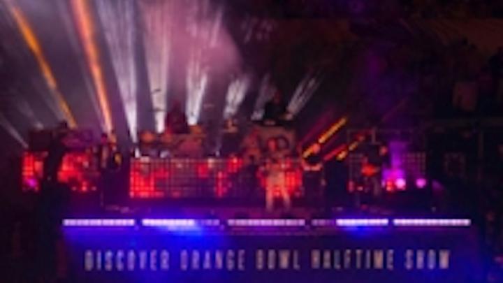 Content Dam Leds En Ugc 2013 01 Chauvet Professional At 2013 Orange Bowl Halftime Show Leftcolumn Article Thumbnailimage File