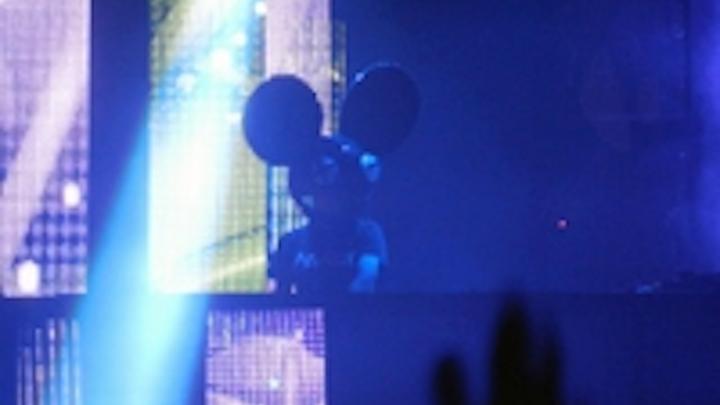 Content Dam Leds En Ugc 2013 01 Deadmau5 Performs In Front Of Chauvet Video Panels Leftcolumn Article Thumbnailimage File