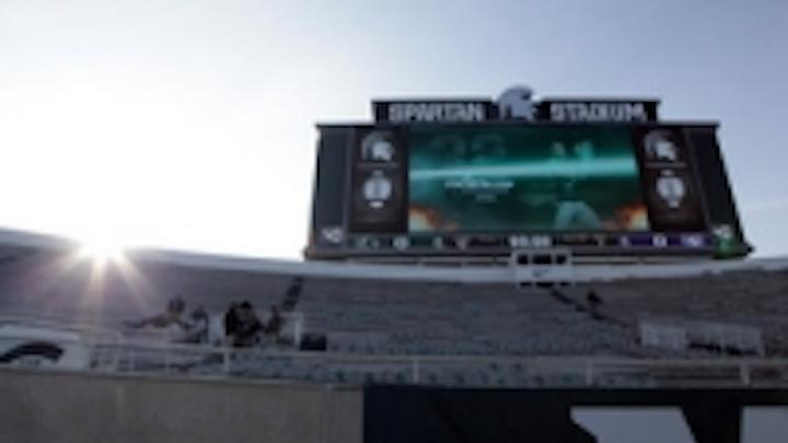 Content Dam Leds En Ugc 2013 01 Lighthouse And Panasonic Spectacular At Spartan Stadium Leftcolumn Article Thumbnailimage File
