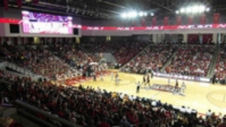 Content Dam Leds En Ugc 2013 01 Troy University Opens New Trojan Arena With Daktronics Integrated Video And Scoring System Leftcolumn Article Thumbnailimage File