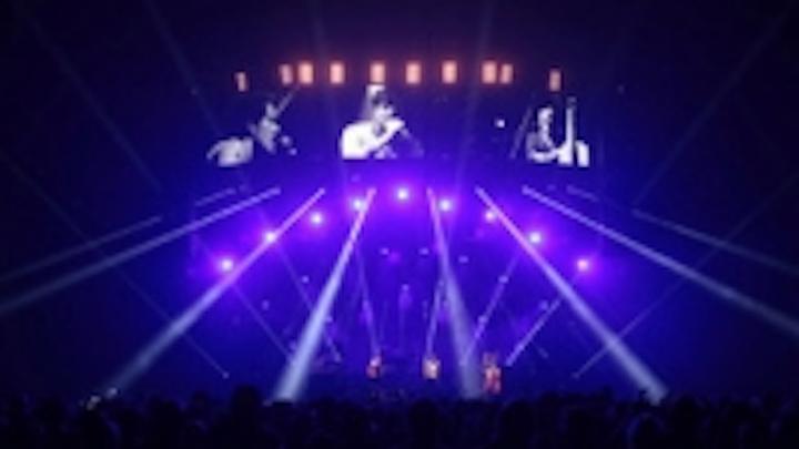 Content Dam Leds En Ugc 2013 01 Xl Video Supplies Over 2500 Fx 200 Led Spheres To Mumford Sons Tour Leftcolumn Article Thumbnailimage File
