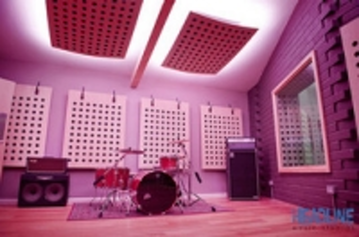 Content Dam Leds En Ugc 2013 04 Headline Music Studio Cambridge Installs Instyle Led Commercial Strip Lighting Leftcolumn Article Thumbnailimage File