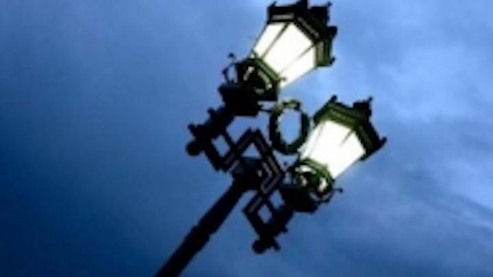 Content Dam Leds En Ugc 2013 04 Maxlite Introduces Led Post Top Retrofit Lamp For Outdoor Lighting Leftcolumn Article Thumbnailimage File