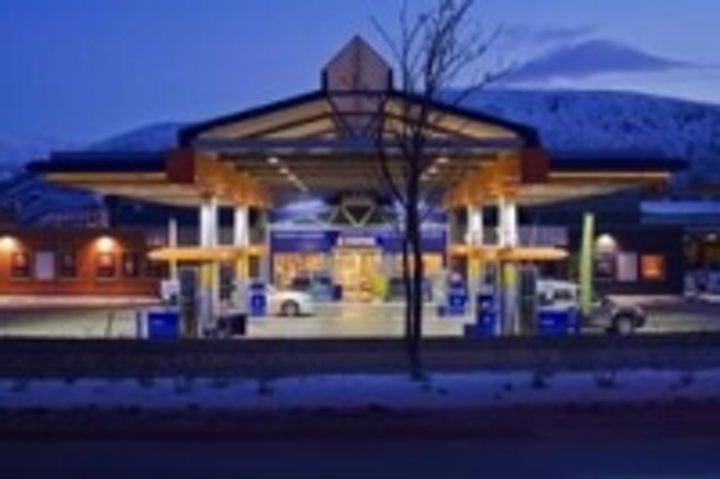 Content Dam Leds En Ugc 2013 07 Norwegian Service Station Adopts Energy Efficient Cree Led Lighting With 200 300 Lux Illumination Leftcolumn Article Thumbnailimage File