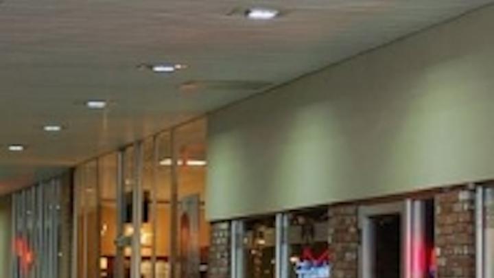 Content Dam Leds En Ugc 2013 10 Ilt S Soffitlight Led Retrofit Kits Replace Existing Metal Halide Lights Leftcolumn Article Thumbnailimage File